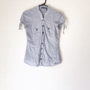 GUESS BLUE AND WHITE STRIPED BUTTON DOWN TOP